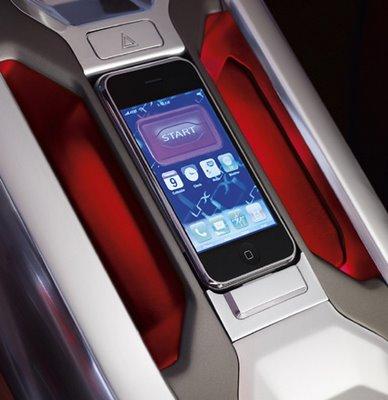 iPhone fa da avviatore per Land Rover LRX